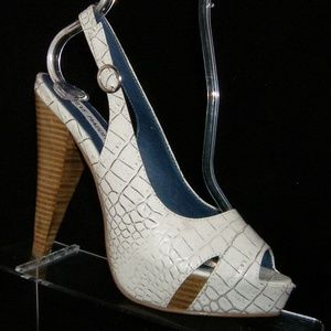 Steve Madden Rappido white leather croc heels 6M